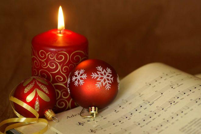 carol-candle-56af716d5f9b58b7d018e8da.jpg