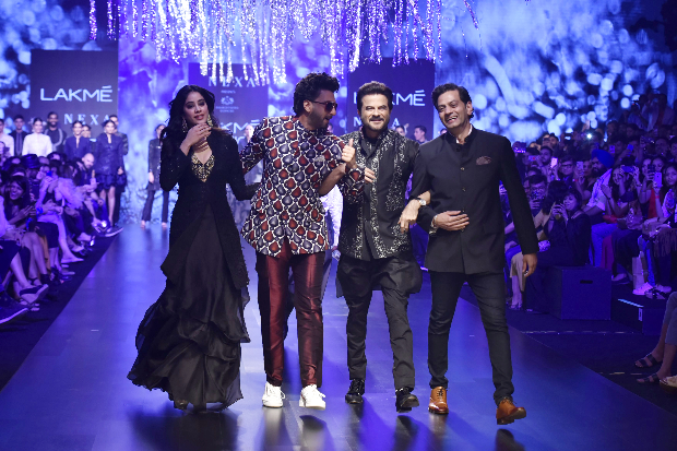 Anil-Kapoor-and-Janhvi-Kapoor-for-Raghavendra-Rathore-at-LFW-2019-Summer-Resort-1.jpg