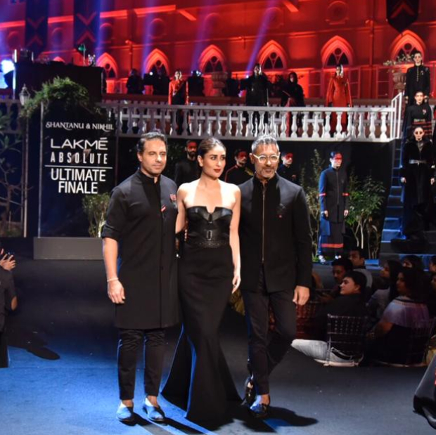 Kareena-Kapoor-Khan-for-Shantanu-and-Nikhil-at-LFW-2019-Summer_Resort-finale-6.jpg
